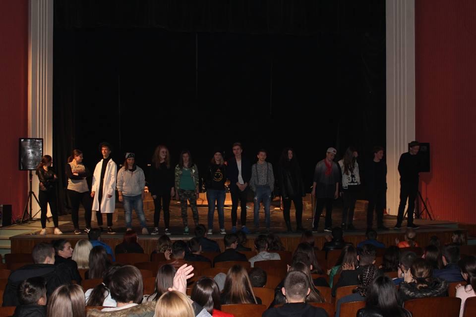 "Predstava ""DNK"" učestvovala na Petnaestom festivalu srednjoškolskog dramskog stvaralaštva BiH"
