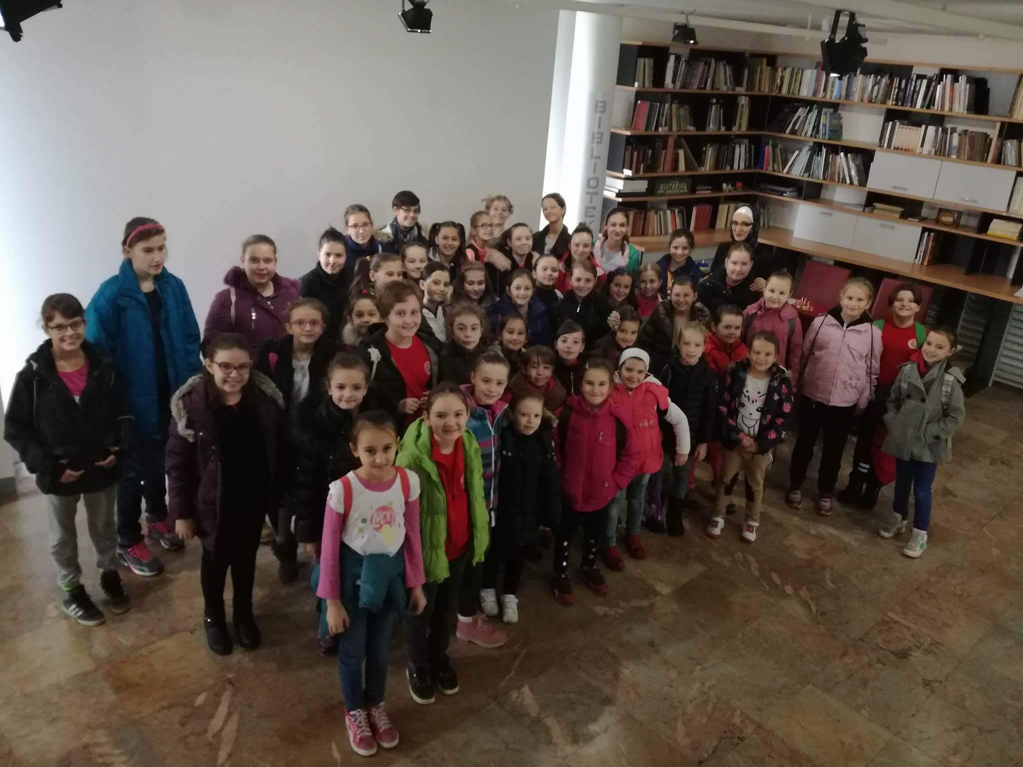 Povodom Dana državnosti BiH Muzej Kaknja danas posjetili mladi iz Sarajeva i članice Naše škole sporta – Upriličen i obilazak Kuglane