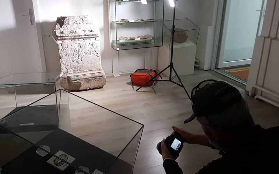 Muzej Kaknja posjetio arheolog iz Beča dr. Ortolf Harl, zainteresovan za Žrtvenik boga Jupitera