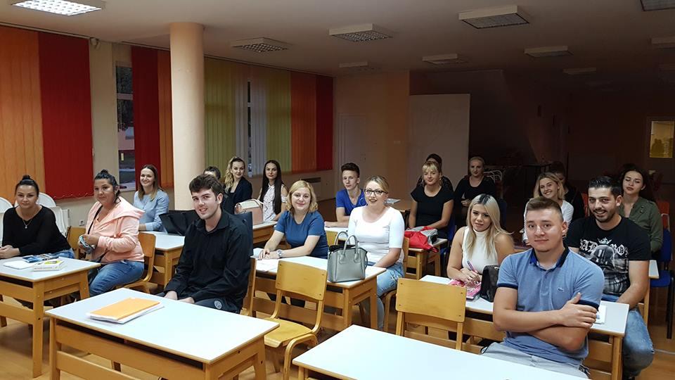 Danas dodjela uvjerenja za sedam grupa polaznika edukativnih kurseva u JU KSC Kakanj