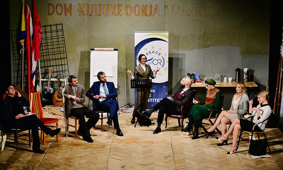 """""""Identitluk"""" / Nova mostarska predstava sa umjetničkim i propitivačkim zadatkom gostuje u Kaknju"""