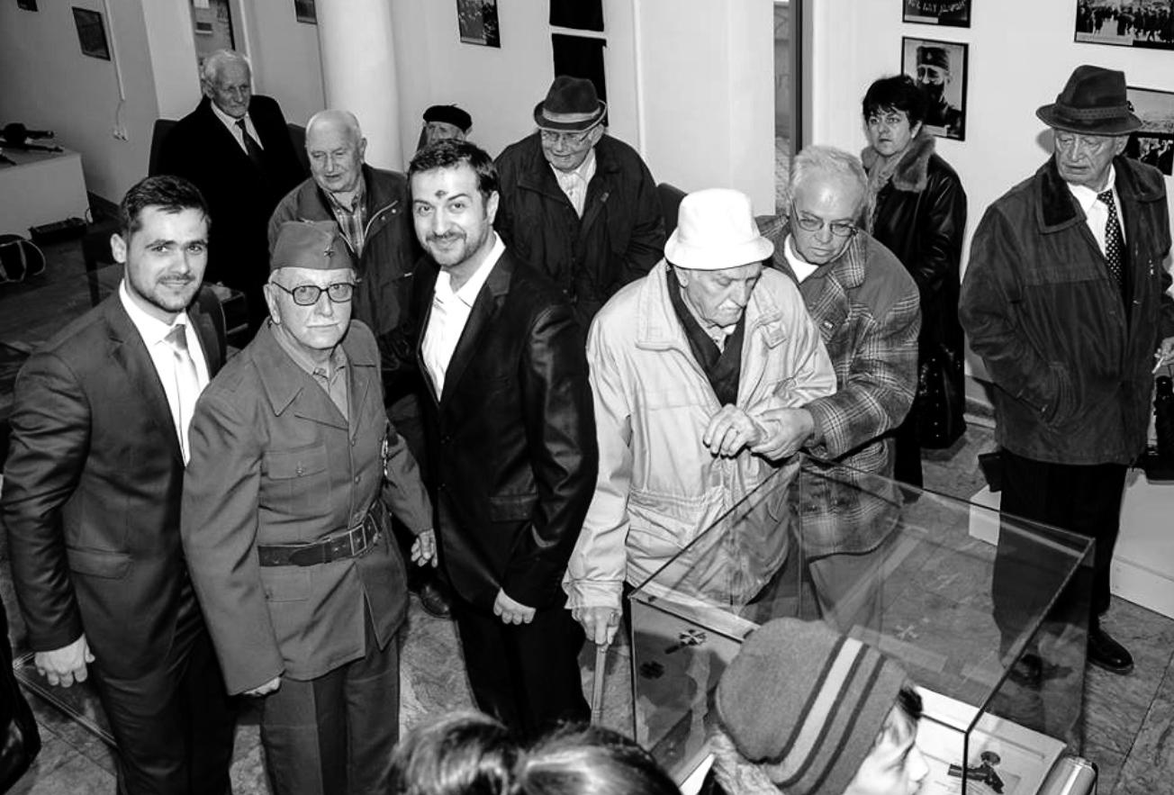 VELIKO HVALA za Behaiju Neimarliju kakanjskog borca iz perioda NOB-a čija je želja bila da se njegova oficirska uniforma i drugi predmeti čuvaju u Muzeju Kaknja