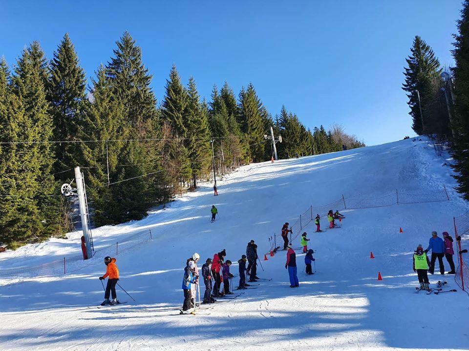 Škola skijanja na Ponijerima