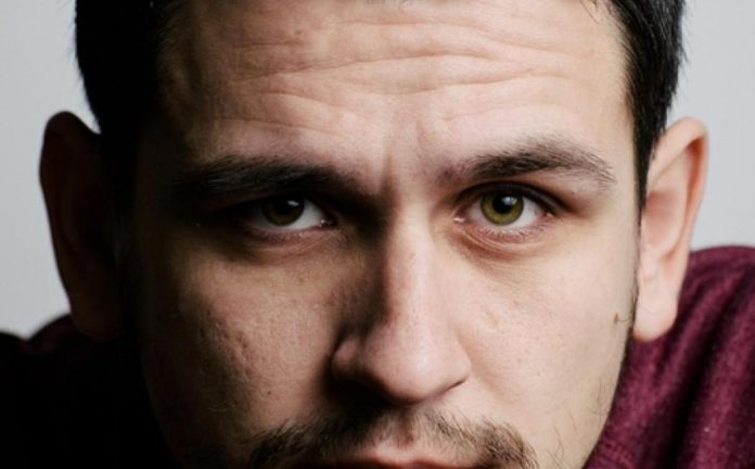 "Glumac Aldin Tucić u ulozi svemoćnog duha – Mjuzikl ""Aladdin"""